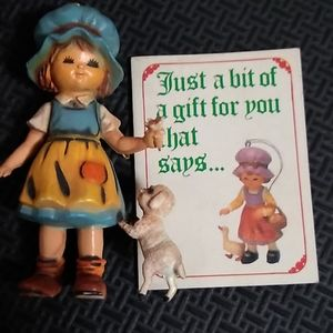 NB Wall Art - Vintage figurines.